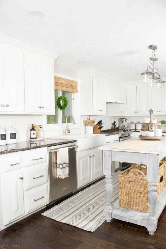 10 Ways to Add Character to a White Kitchen | Over the past three years, we've been slowly and surely finding ways to add character to our blank-slate white painted kitchen. Read on to see my tips and tricks for warming up this space!