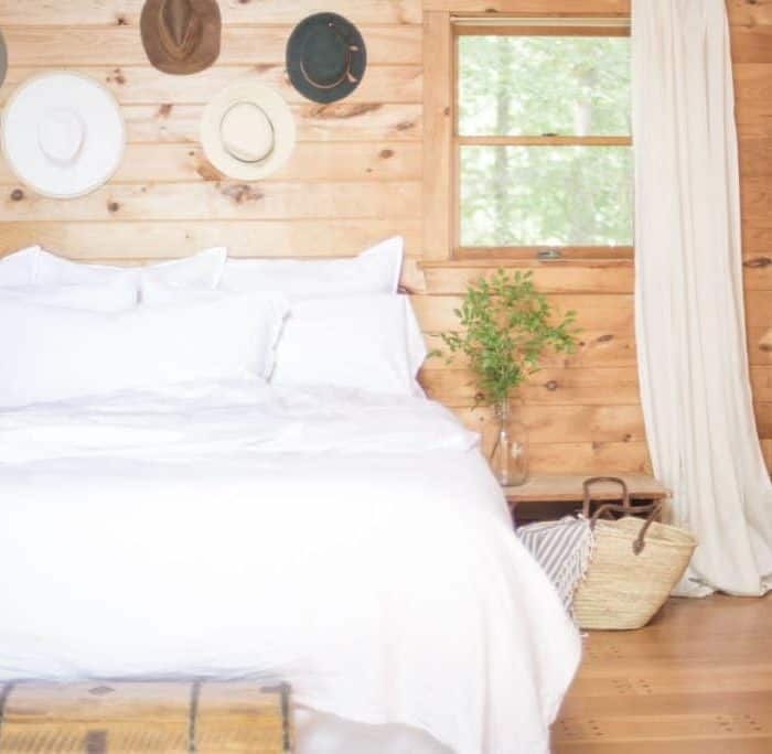 An All-White Bed for Summer