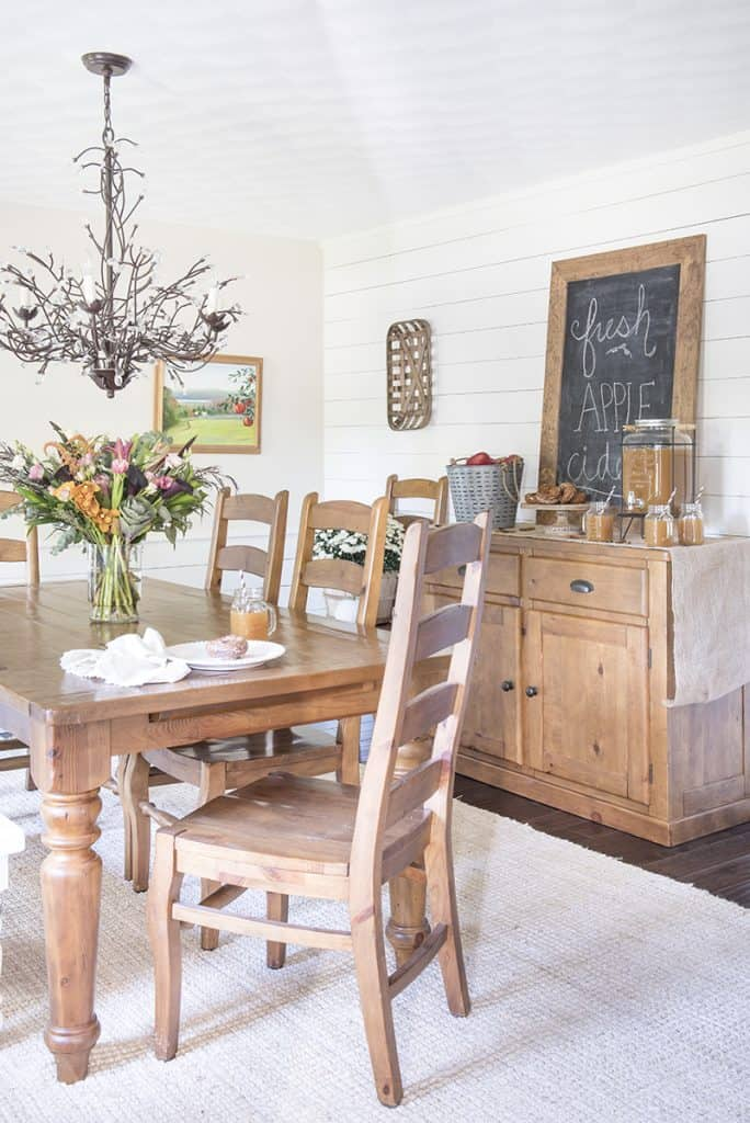 Apple Cider Bar & Fall Dining Room | Find inspiration for fall entertaining with this simply decorated dining room, including an apple cider bar!