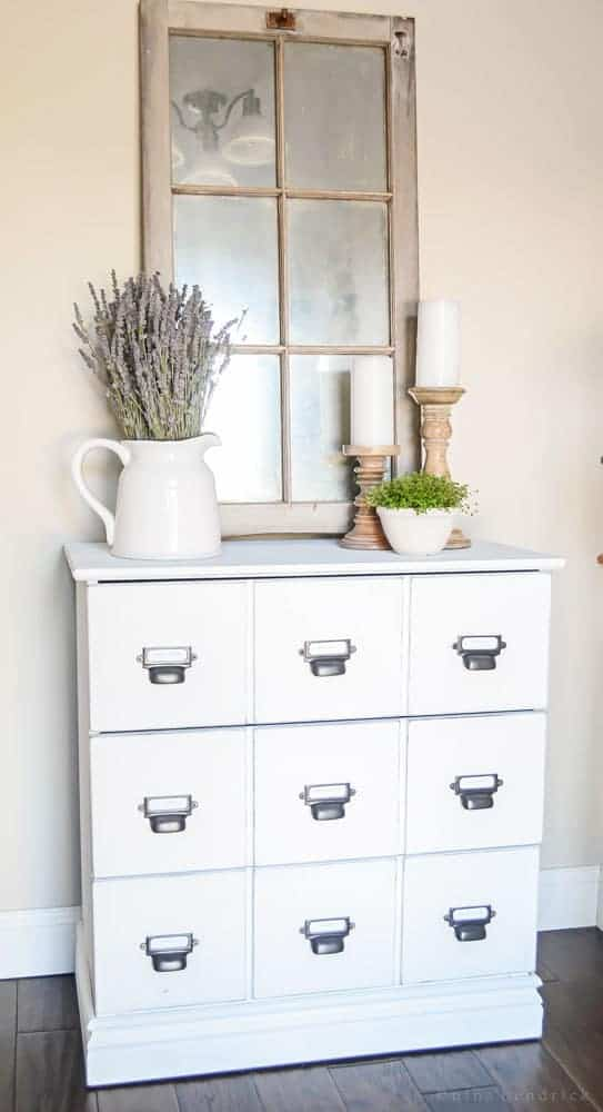 Light & Bright Farmhouse Foyer- Modern Farmhouse Home Tour | Nina Hendrick Design Co. | Follow along as a 1980s colonial fixer upper gets a complete DIY makeover and is renovated to reflect modern farmhouse charm.