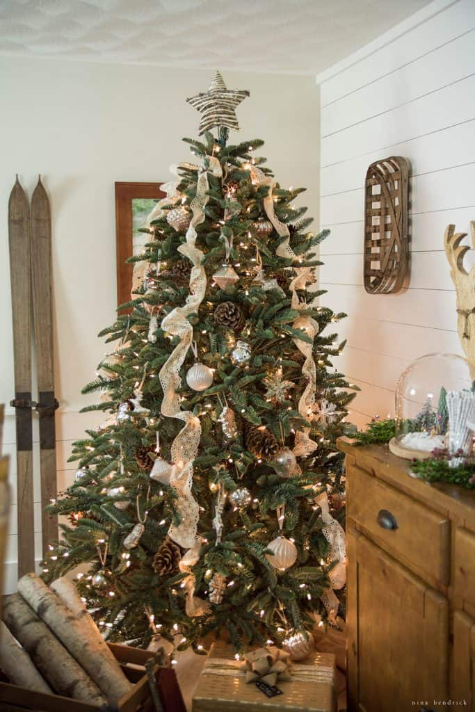Christmas 2016 Nina Hendrick Holiday Housewalk | Woodland Christmas Tree Ideas