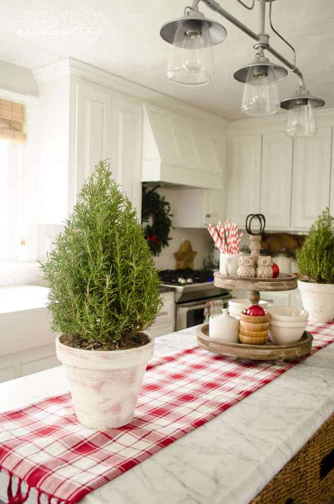 7 Recommended Kitchen Decorating Themes For Perfecting: 13 Farmhouse Christmas Decor Ideas