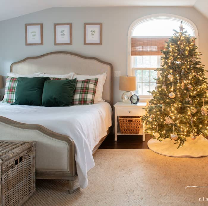 Classic Christmas Bedroom Decor