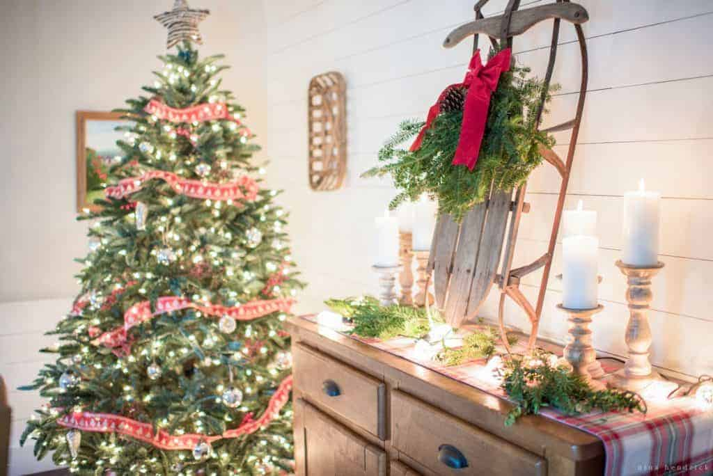classic christmas decor gather simple classic christmas decor ideas for the exterior entryway - Entryway Christmas Decorations