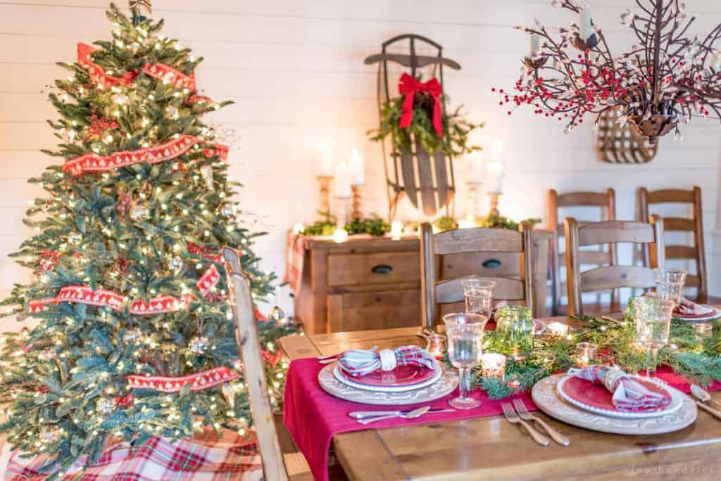 Dining Room with Christmas Tree, red and green decor