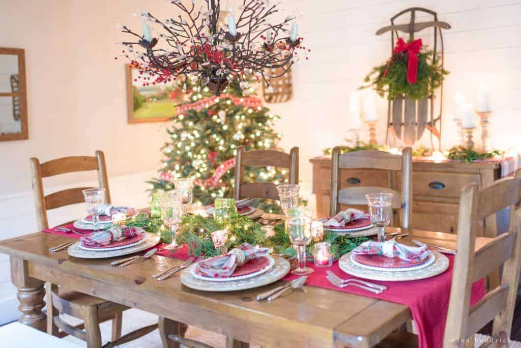 Classic Christmas Tablescape | Gather inspiration for your holiday entertaining with this Classic Christmas Tablescape featuring traditional reds and greens.