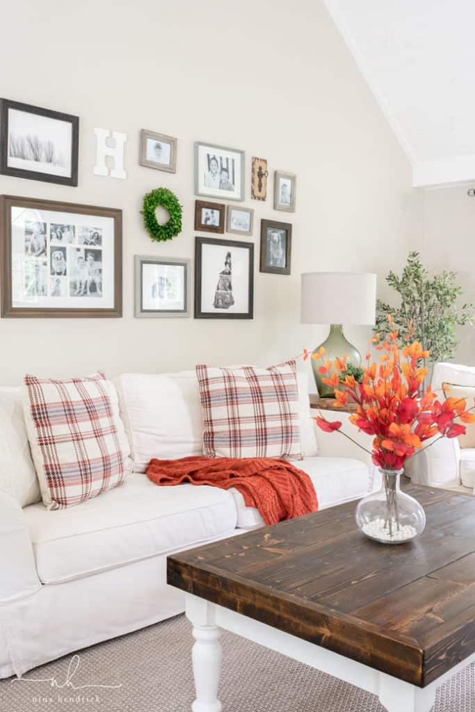 Classic fall family room decor nina hendrick - How to decorate a family room ...