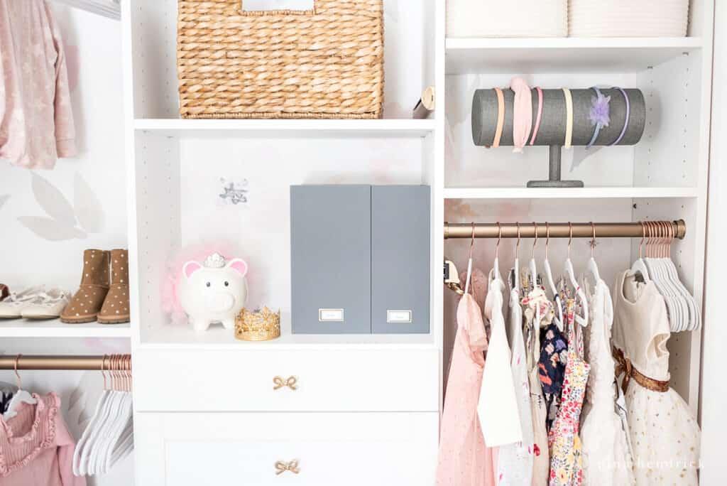 girl's organized closet makeover