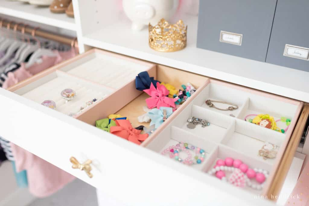 jewelry organizers and drawer with bow