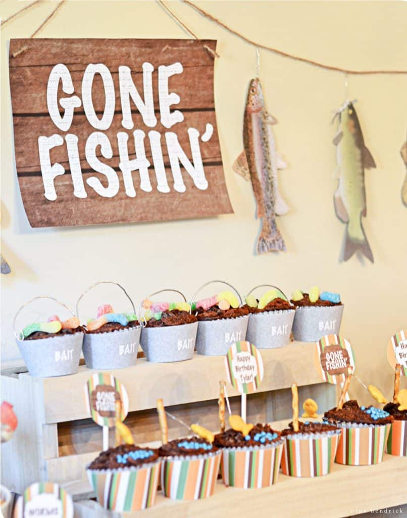 Do you have any fishing enthusiasts in your family? Celebrate with ideas from this adorable party, which is jam packed with inspiration and ideas!
