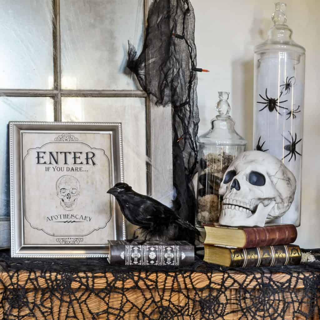 Vintage-Inspired Spooky Halloween Foyer Decor Inspiration