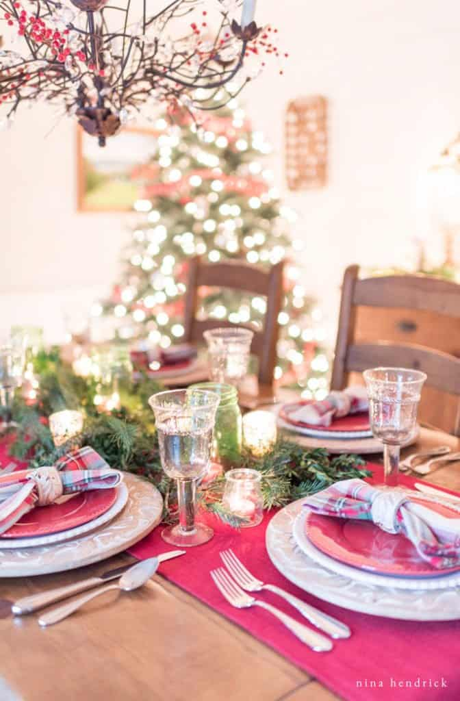 How to create a tablescape for Christmas.