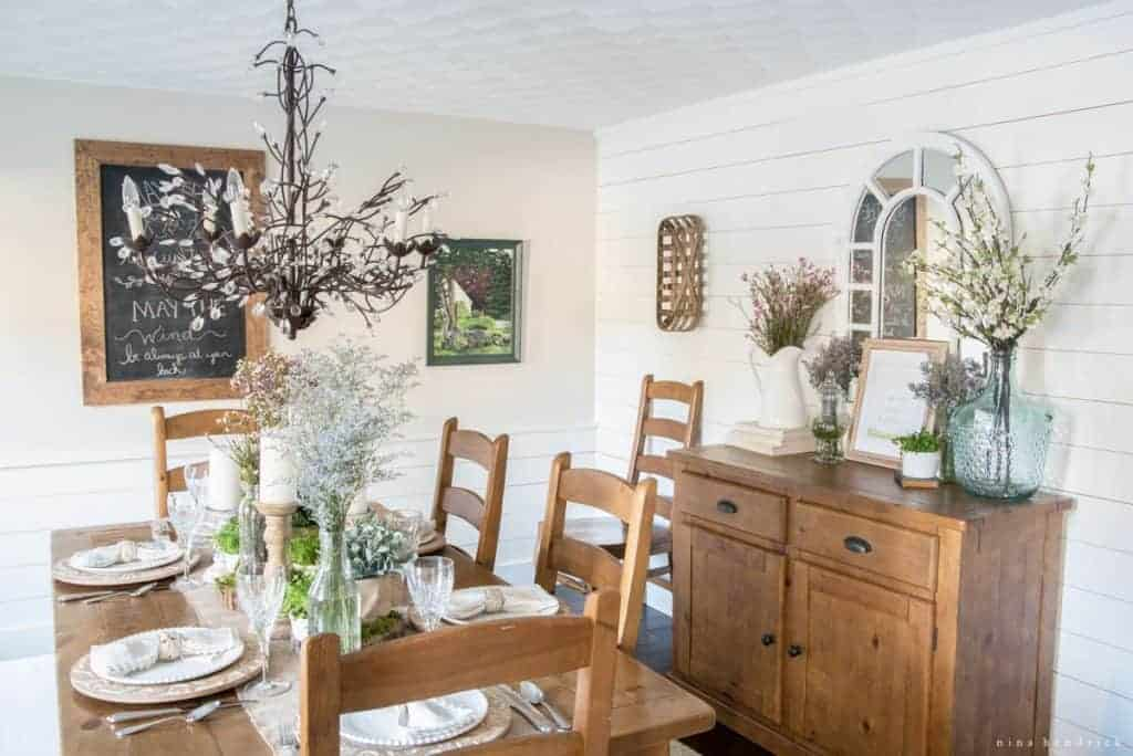 Irish inspired dining room and tablescape nina hendrick for Dining room tablescapes ideas