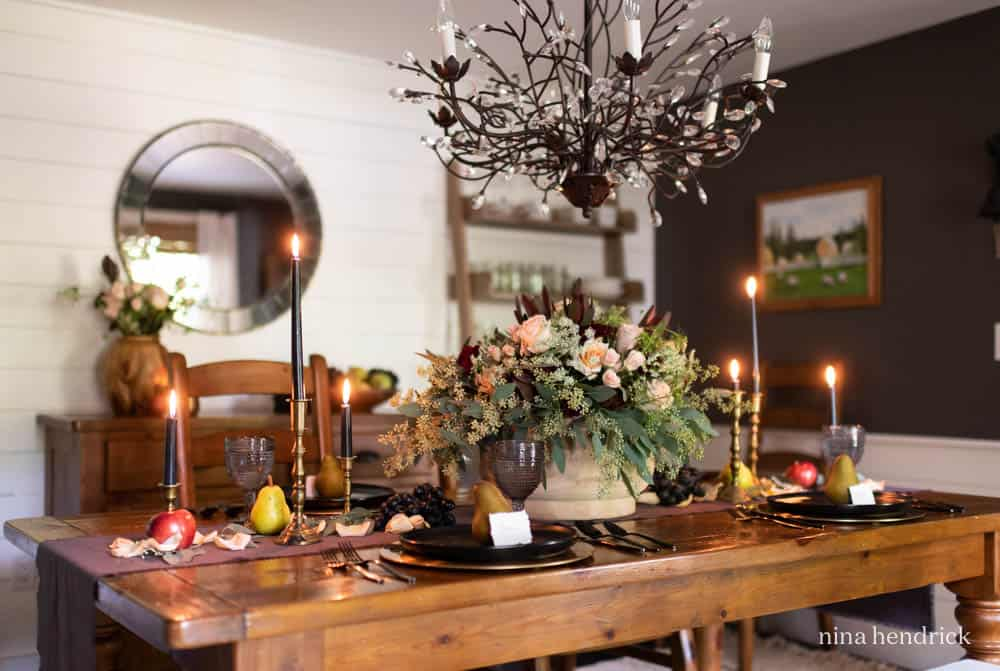 Contrasting autumn tablescape