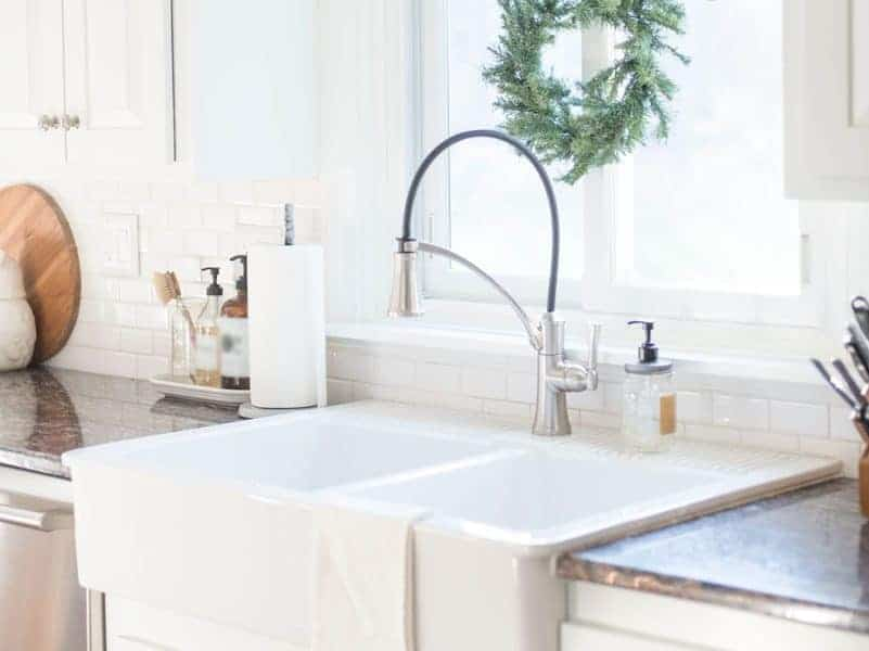 One-Pan-Dinners-Delta-Faucet-ShieldSpray-24