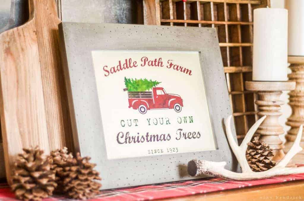 Get this free customizable printable vintage tree farm sign to celebrate Christmas! See how this blogger styled it with an adorable rustic vignette.