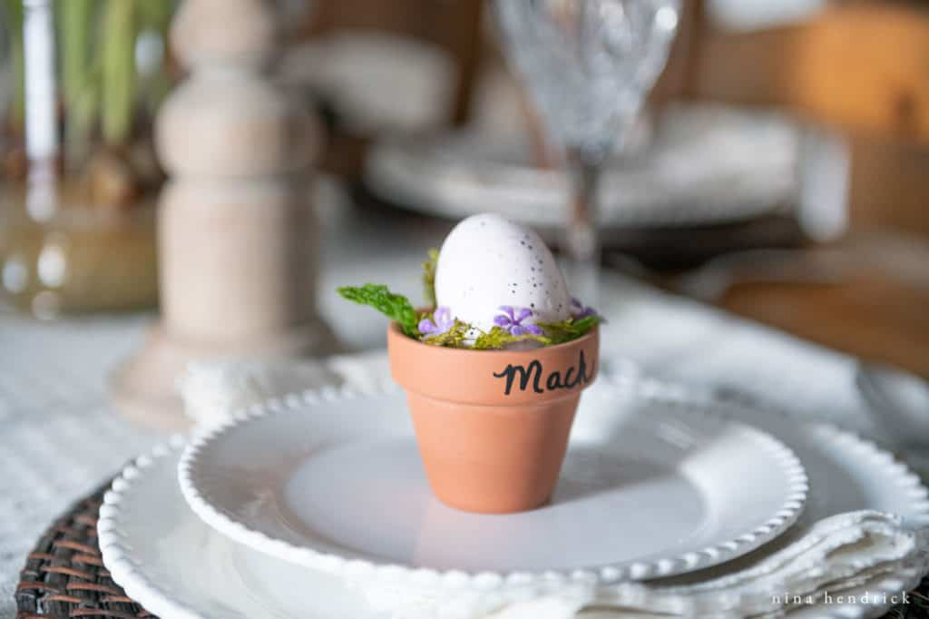 Simple and sweet Easter favor for a purple spring tablescape.