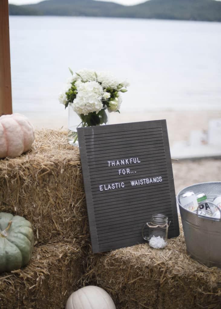 Thanksgiving decor ideas hay bales