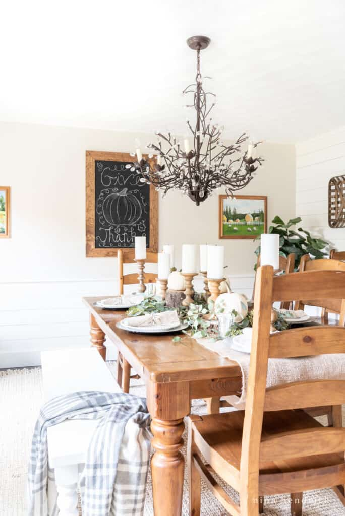 Thanksgiving dining room and tablescape ideas