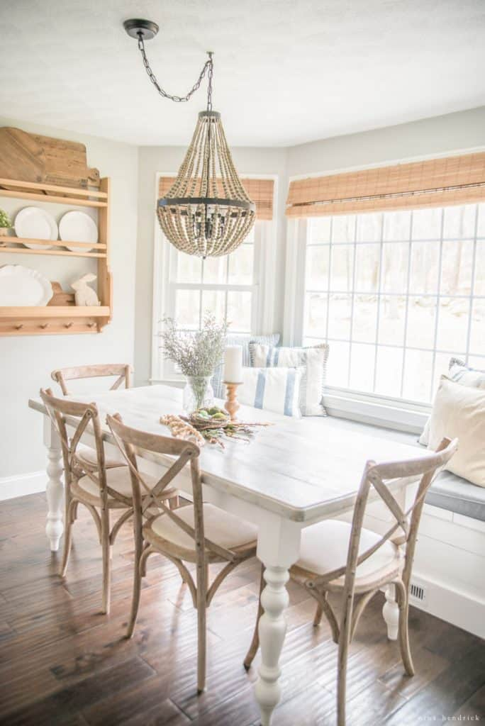 Spring Home Tour 2017 | Simple rustic spring home tour with farmhouse touches.