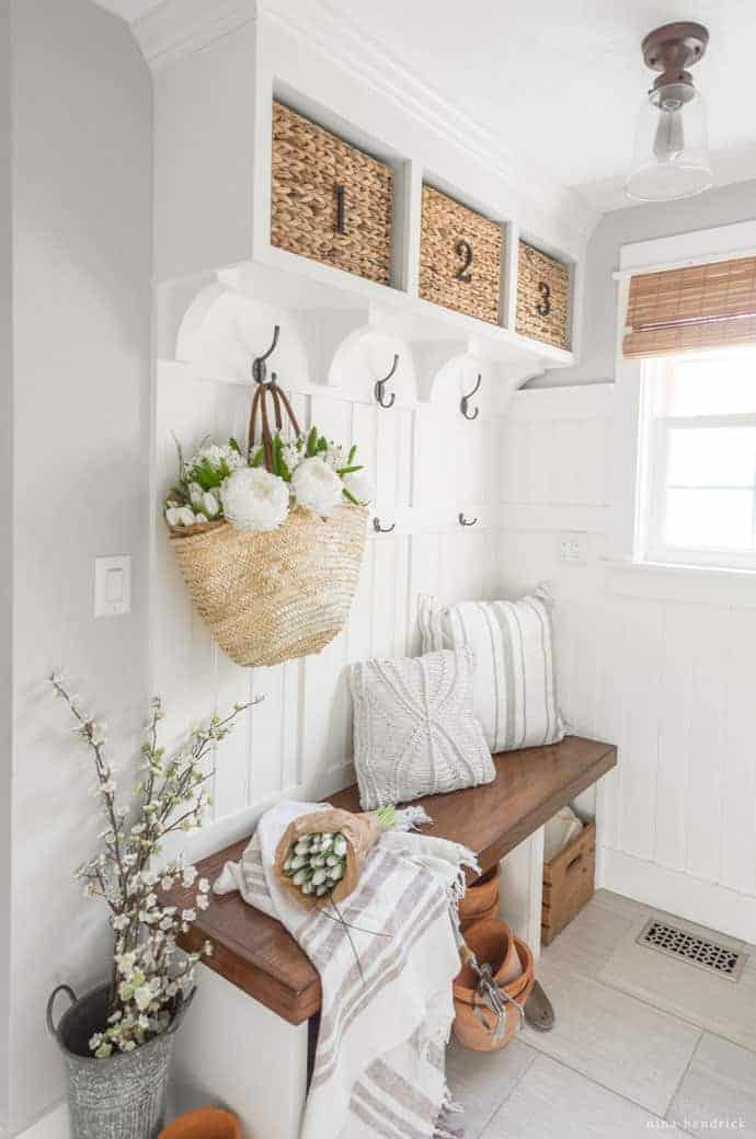 Spring-Mudroom-Decor-3