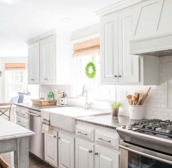 10 Beautiful White Kitchens