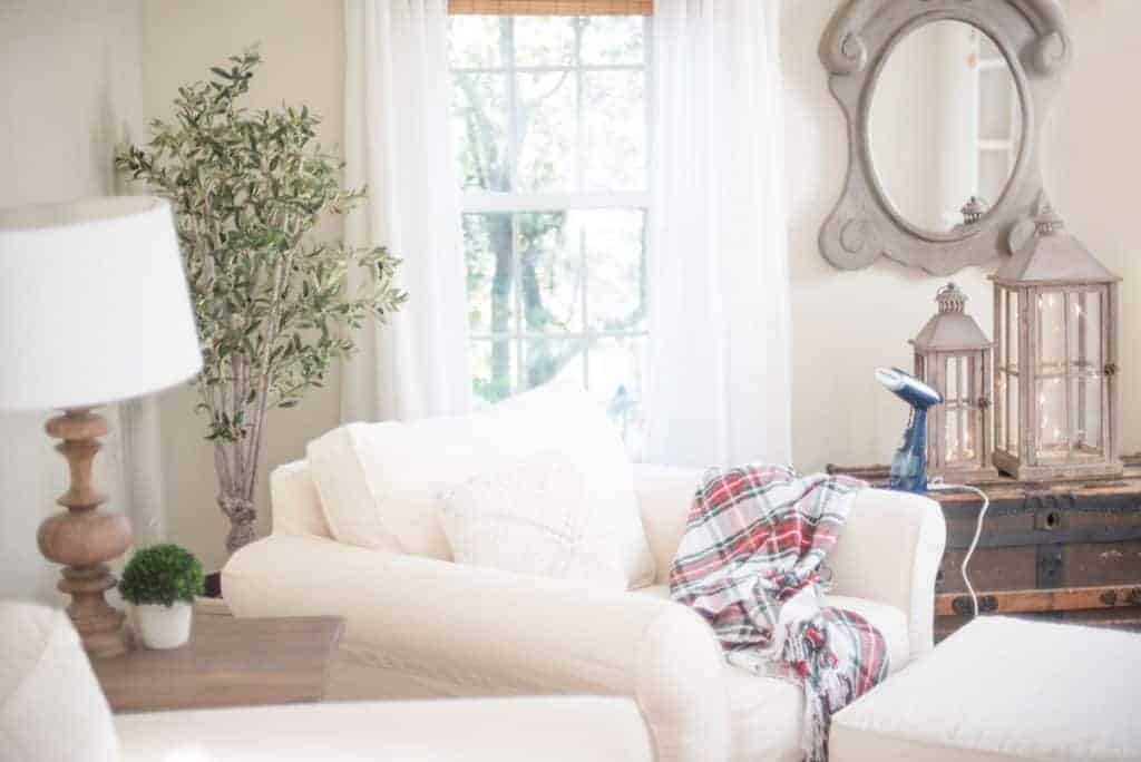 Maintaining White Slipcovers | How I Keep Our White Slipcovers Looking Neat  And Clean With A