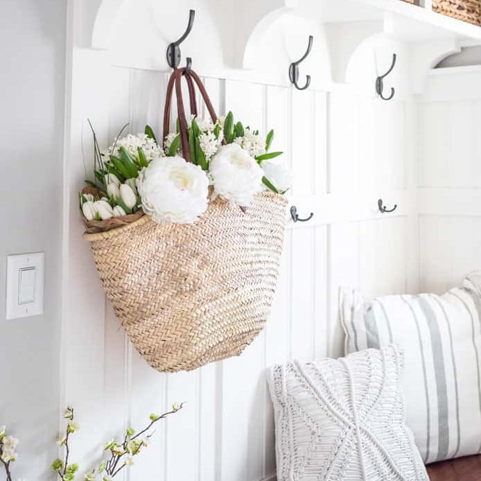 Spring-Mudroom-Decor-1