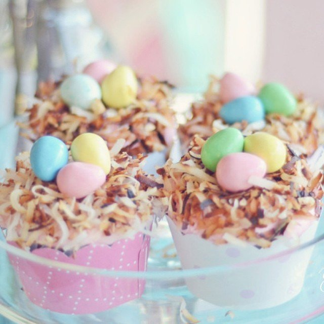Coconut nest #cupcakes are #ontheblog! (link in profile). Quick & surprisingly easy for your #easter celebration!